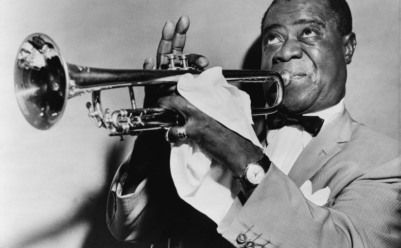 Louis_Armstrong_restored-825x510